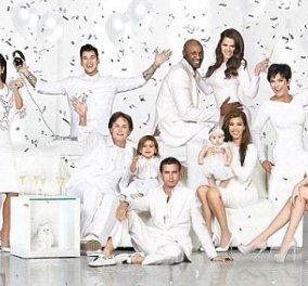 Η οικογένεια Kardashian-το μάτι μου-ντύθηκε Χριστουγεννιάτικα έτσι για το καλό της αβάσταχτης ελαφρότητας - Κυρίως Φωτογραφία - Gallery - Video