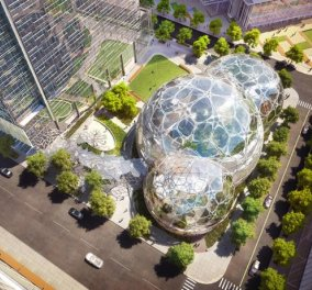 Απλά χαζέψτε το συγκλονιστικό νέο ''αρχηγείο'' της Amazon: 3 γιγάντιες μπάλες από γυαλί θα στεγάζουν τα... γραφεία & τεράστιους κήπους για πράσινο περιβάλλον! (φωτό)  - Κυρίως Φωτογραφία - Gallery - Video