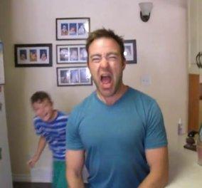 Χαχαχα - Απολαύστε το ξεκαρδιστικό βίντεο ενός μπαμπά που σαρώνει το Youtube! Μην το χάσετε! (βίντεο) - Κυρίως Φωτογραφία - Gallery - Video