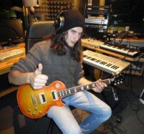 Το πρώτο βραβείο ηλεκτρικής κιθάρας στον κόσμο κατέκτησε ο νεαρός από τα Τρίκαλα, Κυριάκος Μπουλούμπασης - Αντιμετώπισε 861 σολίστες!  - Κυρίως Φωτογραφία - Gallery - Video