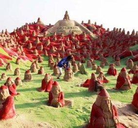 500… «Ινδοί» Αϊ-Βασίληδες στην άμμο! Εντυπωσιακές φωτογραφίες - Κυρίως Φωτογραφία - Gallery - Video