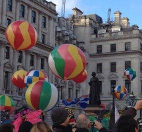 Η παρέλαση της πολύχρωμης, ευφάνταστης και χαρούμενης Πρωτοχρονιάς στο Λονδίνο (φωτό και βίντεο) - Κυρίως Φωτογραφία - Gallery - Video
