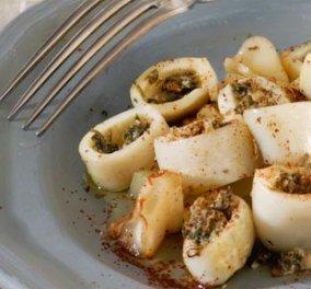 Ψητά καλαμάρια γεμιστά με «πάστα» αρωματικών μας φτιάχνει η σεφ Ντίνα Νικολάου να μοσχομυρίσει η κουζίνα! - Κυρίως Φωτογραφία - Gallery - Video