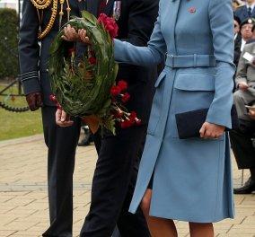 Και να το θαλασσί, φανταστικό παλτουδάκι της Πριγκίπισσας Κέιτ στην εξωφρενική τιμή των 3.875 δολαρίων - είναι του Alexander MacQueen και ήδη άρχισαν τα σχόλια... (Φωτό)  - Κυρίως Φωτογραφία - Gallery - Video