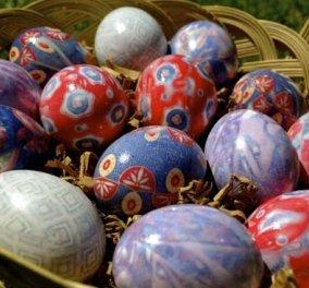 «Βάψτε» τα πασχαλινά αβγά χρησιμοποιώντας... γραβάτες! Ο πιο πρωτότυπος τρόπος για να διακοσμήσετε για το Πάσχα το σπίτι (φωτό) - Κυρίως Φωτογραφία - Gallery - Video