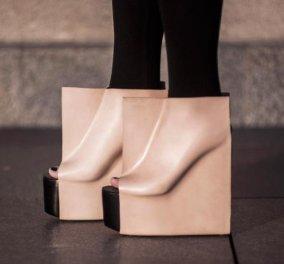 Παγκόσμια «πρεμιέρα» για τα πρώτα τετράγωνα παπούτσια στον κόσμο που εφαρμόζουν απολύτως στα πέλματα- Πρώτο βραβείο design για τα ογκώδη peep- toe- Πως σας φαίνονται ; (φωτό) - Κυρίως Φωτογραφία - Gallery - Video