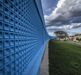 Ένα συγκλονιστικό Μουσείο - υπερθέαμα αφιερωμένο στο ρούμι - μπλε της θάλασσας όλη η εξωτερική επιφάνεια - μια «κάβα» φουτουριστική στο εσωτερικό (φωτό) - Κυρίως Φωτογραφία - Gallery - Video