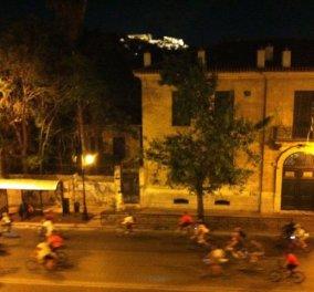 Οι ποδηλάτες της Παρασκευής βράδυ με θέα Ακρόπολη !!!!  - Κυρίως Φωτογραφία - Gallery - Video