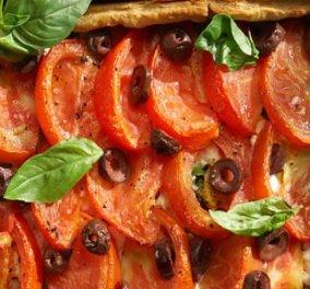 Τετράγωνη τάρτα με φέτα, ντομάτα και βασιλικό - Κυρίως Φωτογραφία - Gallery - Video