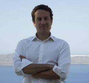 Πήτερ Νομικός: Πώς θα σβήσουμε μόνοι μας το ελληνικό χρέος - Κυρίως Φωτογραφία - Gallery - Video