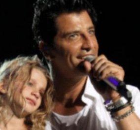 Πολύ γλυκούλι! O Σάκης τραγουδάει αγκαλιά με το κοριτσάκι του  - Κυρίως Φωτογραφία - Gallery - Video