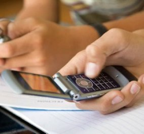 Επικίνδυνα για τη σεξουαλική υγεία των νέων τα πονηρά sms - Κυρίως Φωτογραφία - Gallery - Video