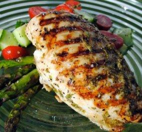 Μυρωδάτο κοτόπουλο από τον Άκη Πετρετζίκη: Έύκολο και γρήγορο - Κυρίως Φωτογραφία - Gallery - Video