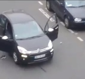 Charlie Hebdo: Οι δράστες αποτελειώνουν με σφαίρα στο κεφάλι, τραυματισμένο αστυφύλακα που εκλιπαρούσε για τη ζωή του (σκληρό βίντεο) - Κυρίως Φωτογραφία - Gallery - Video