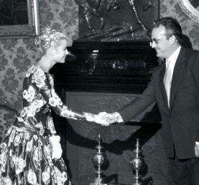 Vintage pic: Όταν το 1955 η Γκρέις Κέλι έδωσε την πρώτη χειραψία με τον Πρίγκηπα που θα γινόταν δικός της!  - Κυρίως Φωτογραφία - Gallery - Video