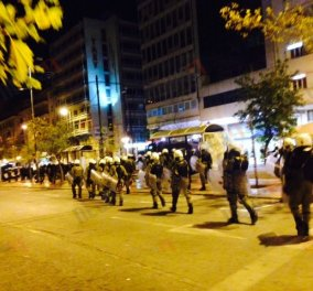 Μολότωφ, φωτιές και βανδαλισμοί στο κέντρο της Αθήνας - ''Ξέφυγε'' η πορεία για τον Γρηγορόπουλο! (Φωτό - βίντεο) - Κυρίως Φωτογραφία - Gallery - Video