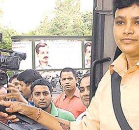 Top Woman η Ινδή που κάθισε για πρώτη φορά πίσω από τιμόνι λεωφορείου – Στόχος η καταπολέμηση των βιασμών - Κυρίως Φωτογραφία - Gallery - Video
