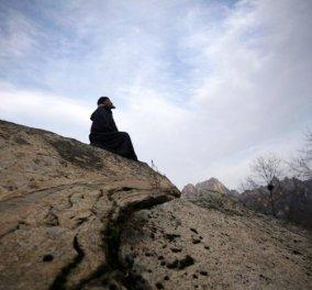 Story: Η ιστορία του Λιου Τζιντσόνγκ - Ενός πάμπλουτου Κινέζου που σώθηκε από θαύμα, χάρισε τα χρήματά του και τώρα ζει στα βουνά! - Κυρίως Φωτογραφία - Gallery - Video