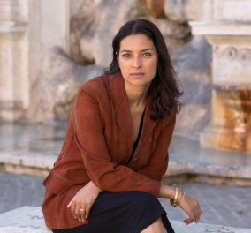 Η βραβευμένη με Πούλιτζερ συγγραφέας - Topwoman Jhumpa Lahiri στην Αθήνα! - Κυρίως Φωτογραφία - Gallery - Video