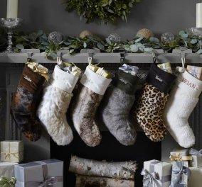 Tα Χριστούγεννα πλησιάζουν και σας προτείνουμε τις πιο όμορφες, ''ζεστές'', και εντυπωσιακές κάλτσες για να κρεμάσετε στο τζάκι η στην πόρτα σας! (φωτό) - Κυρίως Φωτογραφία - Gallery - Video
