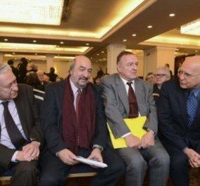 Όταν ο υποψήφιος Σταύρος Δήμας και ο παρ'ολίγον υποψήφιος Φώτης Κουβέλης έδωσαν τα χέρια... - Κυρίως Φωτογραφία - Gallery - Video