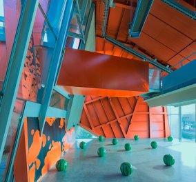 Ένα συναρπαστικό μουσείο με χρώματα και σχέδια που σας προσκαλούν σε ένα αρχιτεκτονικό υπερθέαμα! - Κυρίως Φωτογραφία - Gallery - Video