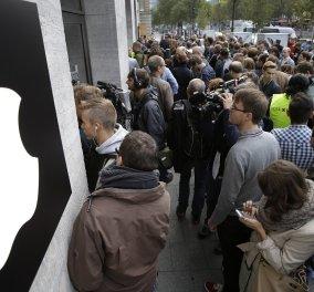 Φρενίτιδα με τα νέα iPhone στην ελληνική αγορά - Δεν έφτασαν τα 10.000 κομμάτια, παρήγγειλαν άλλα 50.000 - τα 1.000 ευρώ δεν μας πτοούν! - Κυρίως Φωτογραφία - Gallery - Video