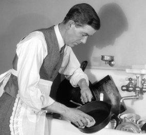 Oι άνδρες  που βοηθούν στις δουλειές του σπιτιού κάνουν λιγότερο σεξ! Μην γελάτε το λέει η έρευνα! - Κυρίως Φωτογραφία - Gallery - Video