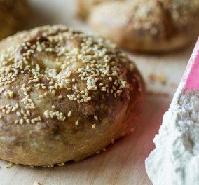 Παραδοσιακή τυλιχτή τυρόπιτα του Άκη Πετρετζίκη - Μια φανταστική συνταγή για ''επιστροφή στις ρίζες''! - Κυρίως Φωτογραφία - Gallery - Video