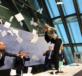 Το χρονικό μιας εισβολής  στα άδυτα της ΕΚΤ: Πώς η νεαρή Josephine προκάλεσε πανικό με τα κονφετί της! (Φωτό - βίντεο) - Κυρίως Φωτογραφία - Gallery - Video