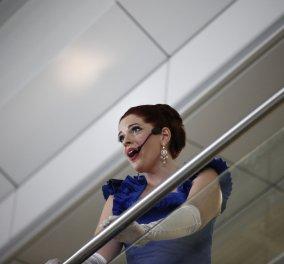 Good News: Το αεροδρόμιο της Αθήνας έγινε Λυρική! 2 μέτζο σοπράνο ερμηνεύουν διάσημες άριες - Κυρίως Φωτογραφία - Gallery - Video