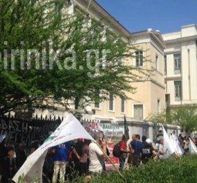 Συγκέντρωση διαμαρτυρίας έξω από το ΣτΕ από κατοίκους της Χαλκιδικής - Αντιτίθενται στην εξόρυξη χρυσού - Κυρίως Φωτογραφία - Gallery - Video