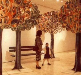 Made in Greece το δέντρο που πουλήθηκε 80.000 ευρώ - Έχει ύψος 3 μέτρα και φέρει την υπογραφή του παγκόσμιου Έλληνα εικαστικού Παύλου! - Κυρίως Φωτογραφία - Gallery - Video