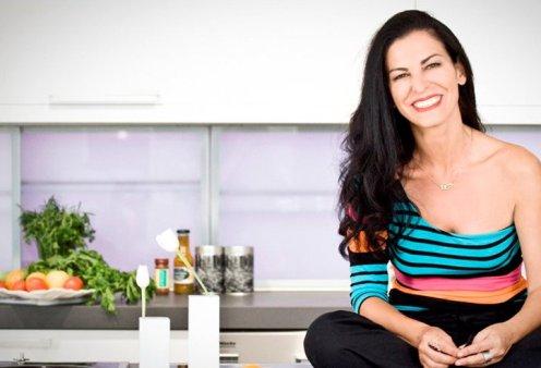 Σε 17 ερωτήσεις απαντά η Ελένη Ψυχούλη ενώ υποδέχεται την τηλεοπτική κάμερα στο νέο της σπίτι (Βίντεο) - Κυρίως Φωτογραφία - Gallery - Video
