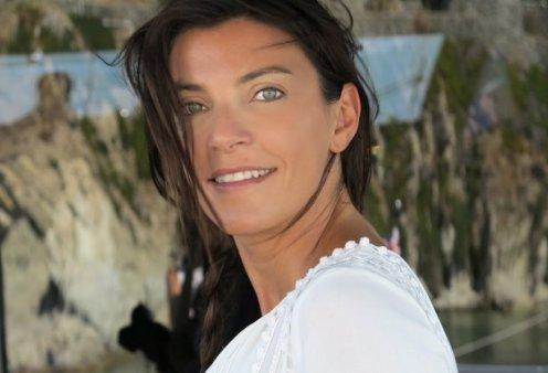 Το φώτο - εφέ της Μαρίνας Βερνίκου μεταξύ θάλασσας - πισίνας: Θα σας ενθουσιάσει!  - Κυρίως Φωτογραφία - Gallery - Video