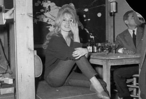 Αυτά τα τζινς πέρασαν στην ιστορία! Πως τα φόρεσαν η Marilyn Monroe, η Grace Kelly, η Jane Birkin, η Madonna και Cindy Crawford (φωτό) - Κυρίως Φωτογραφία - Gallery - Video