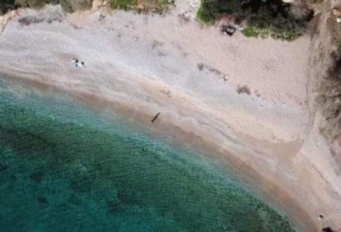 Ερωτοσπηλιά: «Το λιμανάκι των ερωτευμένων» στην Αττική από ψηλά - Βίντεο  - Κυρίως Φωτογραφία - Gallery - Video