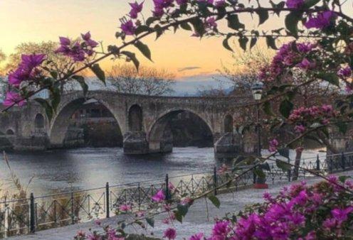 Το γεφύρι της Άρτας φοράει τα πιο ωραία του χρώματα για μία μοναδική λήψη – Η φωτογραφία της ημέρας - Κυρίως Φωτογραφία - Gallery - Video