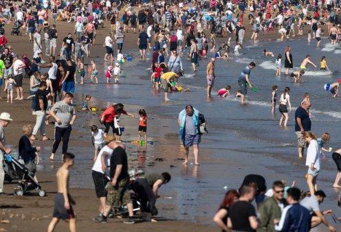 Με αυτές τις φωτογραφίες θα ζηλέψετε το Πάσχα στην Αγγλία με 26 βαθμούς Κελσίου  - Κυρίως Φωτογραφία - Gallery - Video