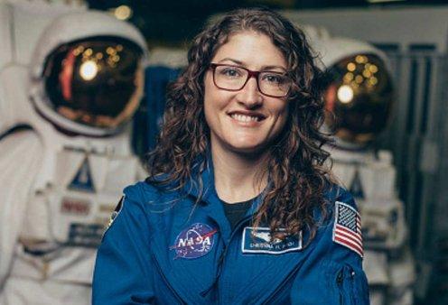 Κριστίνα Κοχ: Η πρώτη γυναίκα που θα μείνει 328 μέρες στο διάστημα - Θα σπάσει το παγκόσμιο γυναικείο ρεκόρ (φώτο -βίντεο)  - Κυρίως Φωτογραφία - Gallery - Video