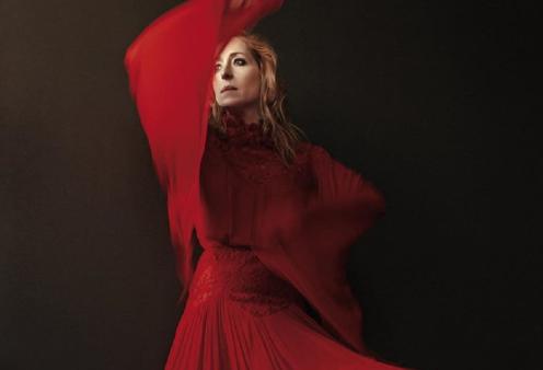 Συναρπαστική φωτογράφηση βραβευμένης Ελληνίδας ηθοποιού - Η Κόρα Καρβούνη ροκ , κομψό θηλυκό (φώτο) - Κυρίως Φωτογραφία - Gallery - Video