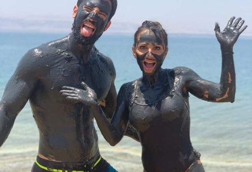 Ηλίας Γκότσης – Σόφη Πασχάλη, το ζευγάρι μέσα στη λάσπη…: Απολαμβάνουν το περιπετειώδες ταξίδι τους στην Ιορδανία - Κυρίως Φωτογραφία - Gallery - Video