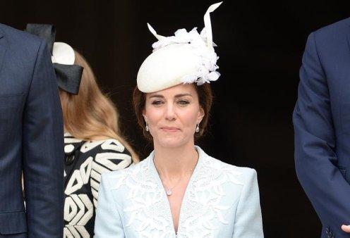 Η Πριγκίπισσα Κέιτ με 5 από τα ωραιότερα very british κάπελα της (φωτό) - Κυρίως Φωτογραφία - Gallery - Video