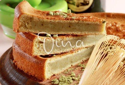 Ντίνα Νικολάου: Μας φτιάχνει ένα ξεχωριστό κέικ με πράσινο τσάι και σάλτσα anglaise - Κυρίως Φωτογραφία - Gallery - Video