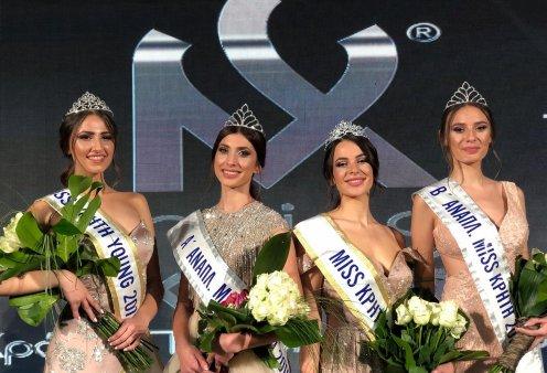 Miss Κρήτη 2019: Οι εντυπωσιακές Κρητικοπούλες με πρώτη την 18χρονη Γεωργία Αμπαρτζάκη (φώτο-βίντεο) - Κυρίως Φωτογραφία - Gallery - Video