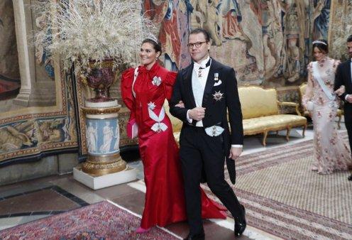 Η πριγκίπισσα Victoria της Σουηδίας εντυπωσιακή - Ξεχώρισαν με φλόραλ & οι πριγκίπισσες, Madeleine & Sofia στην δεύτερη βράδια των βραβείων Νόμπελ  - Κυρίως Φωτογραφία - Gallery - Video