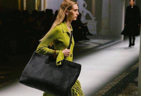 Νέες τσάντες Bottega Veneta: Άφωνες έμειναν οι απανταχού fans της καλύτερης ίσως ιταλικής φίρμας δερμάτινων (φωτό - βίντεο) - Κυρίως Φωτογραφία - Gallery - Video