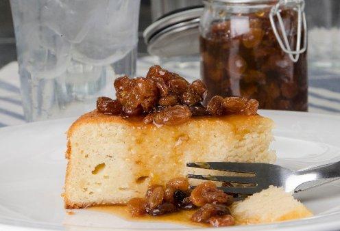 Στέλιος Παρλιάρος: Μας φτιάχνει υπέροχο κέικ ανθότυρου με γλυκό κουταλιού σταφίδα - Κυρίως Φωτογραφία - Gallery - Video