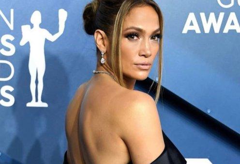 """Πιο εντυπωσιακή από ποτέ: Η 50χρονη Jennifer Lopez με λευκό μπικίνι """"χαλαρώνει"""" & """"γεμίζει τις μπαταρίες της"""" (φωτό) - Κυρίως Φωτογραφία - Gallery - Video"""