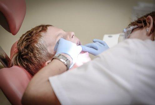 Νεα ερευνα: Το πολύ φθόριο βλάπτει το σμάλτο των δοντιών - Κυρίως Φωτογραφία - Gallery - Video